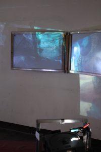 Raumbezogene Installation mit 2 Diaprojektoren/site-specific installation